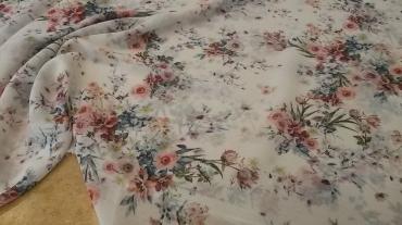 Αέρινη μουσελίνα εμπριμέ με παστέλ λουλούδια